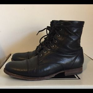FRYE ERIN WORKBOOTS 2 (size 6.5, Black)